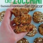 muffins de zucchini cortados por la mitad