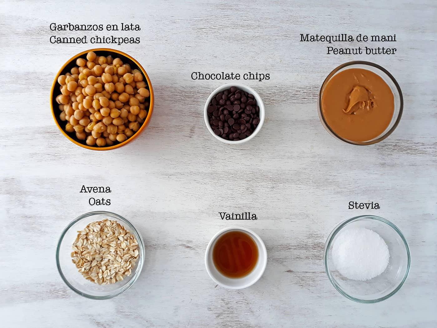 ingredientes para preparar bolitas de proteína.