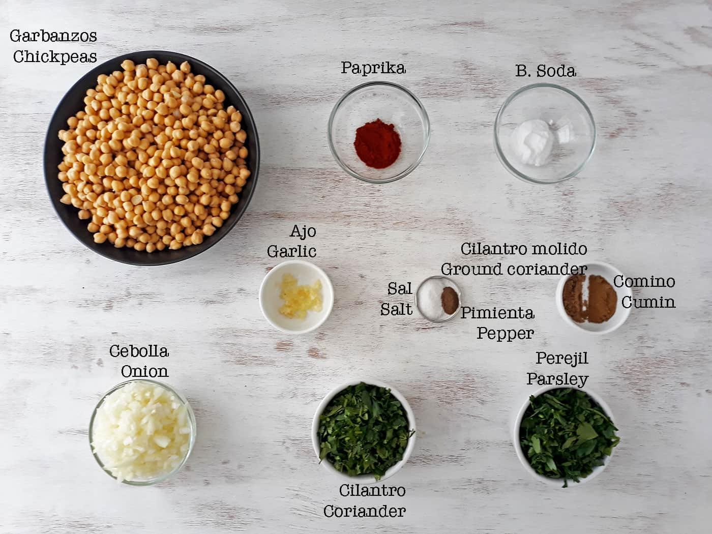 ingredientes para preparar falafels o croquetas de garbanzos