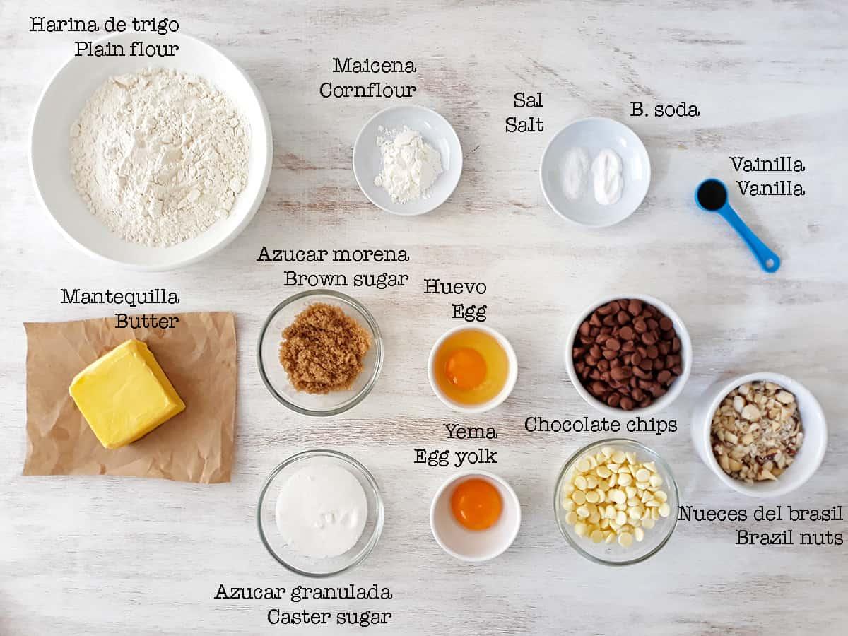 ingredientes para preparar galletas de chispas de chocolate
