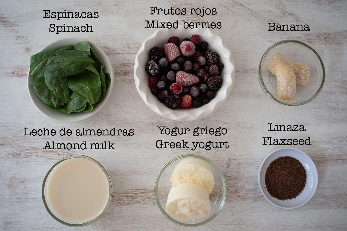 ingredientes para hacer smoothie de frutos rojos