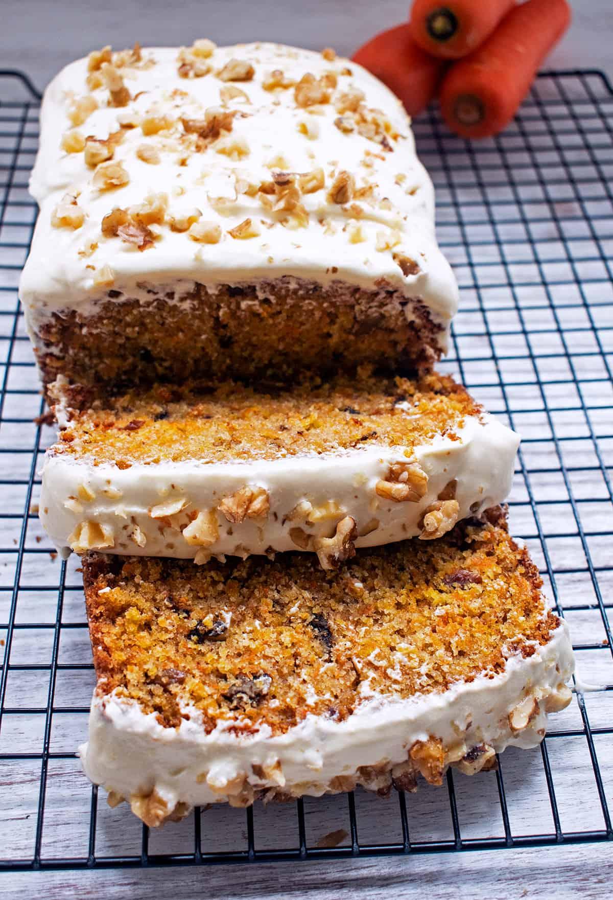 torta de zanahoria y nueces con glaseado