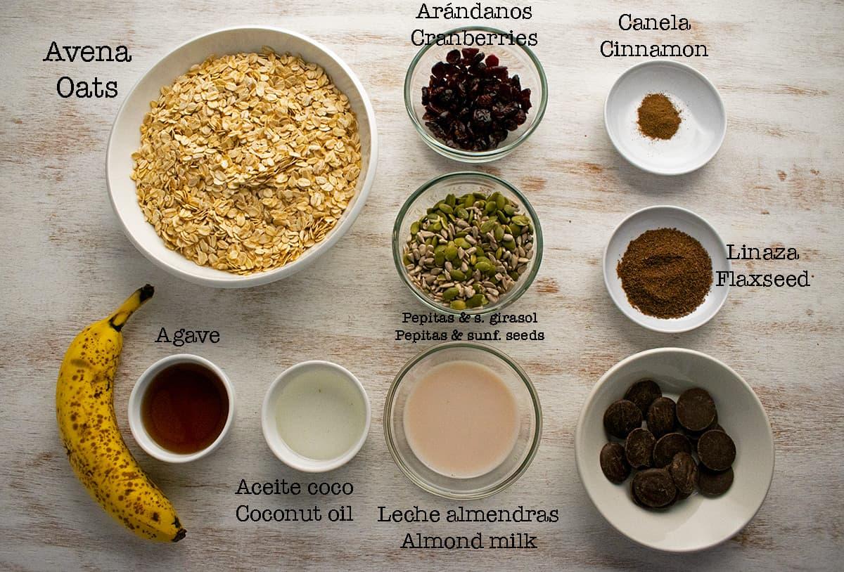 ingredientes necesarios para preparar barritas de avena, banana y chocolate