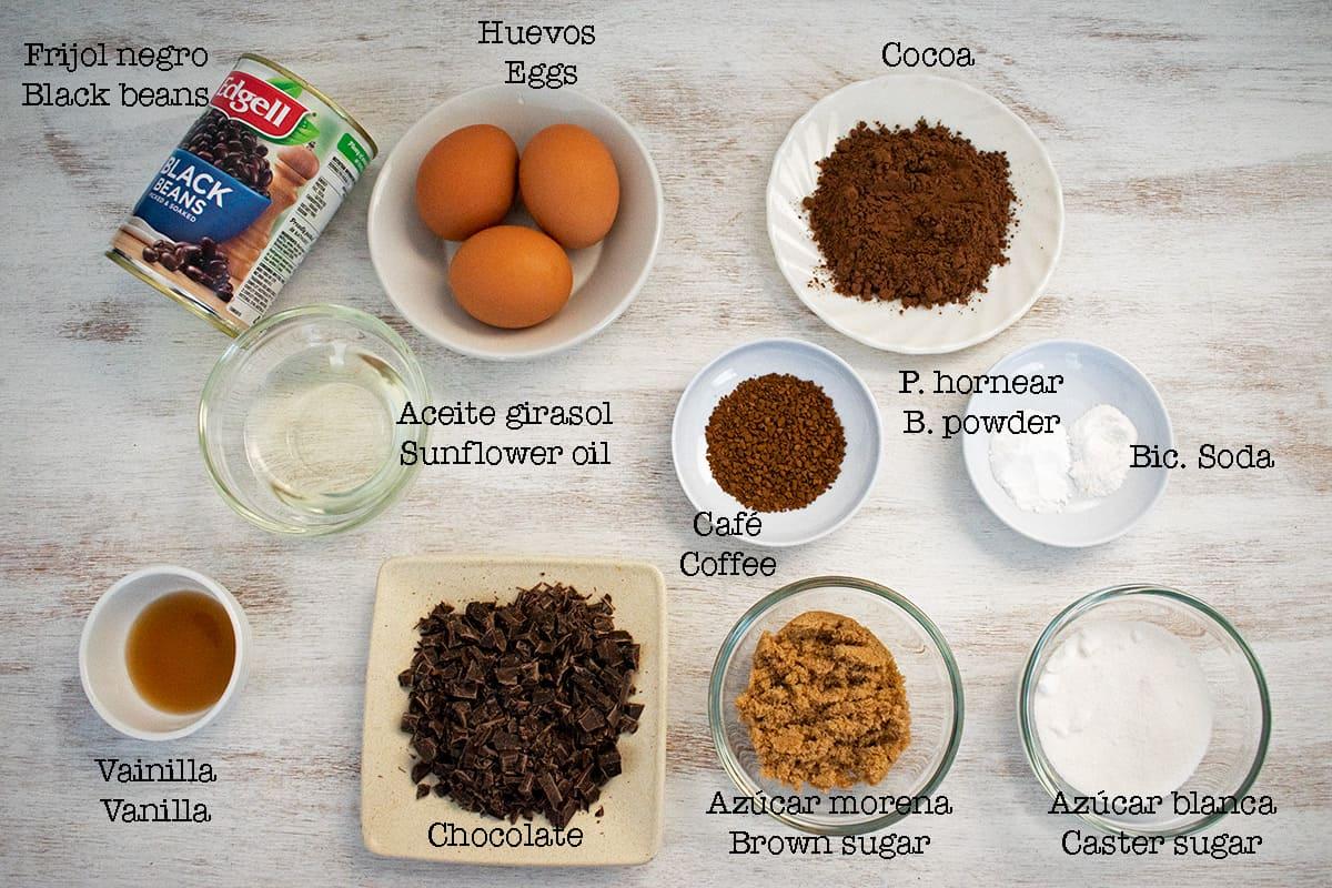 Ingredientes necesarios para preparar receta de brownies de frijol negro