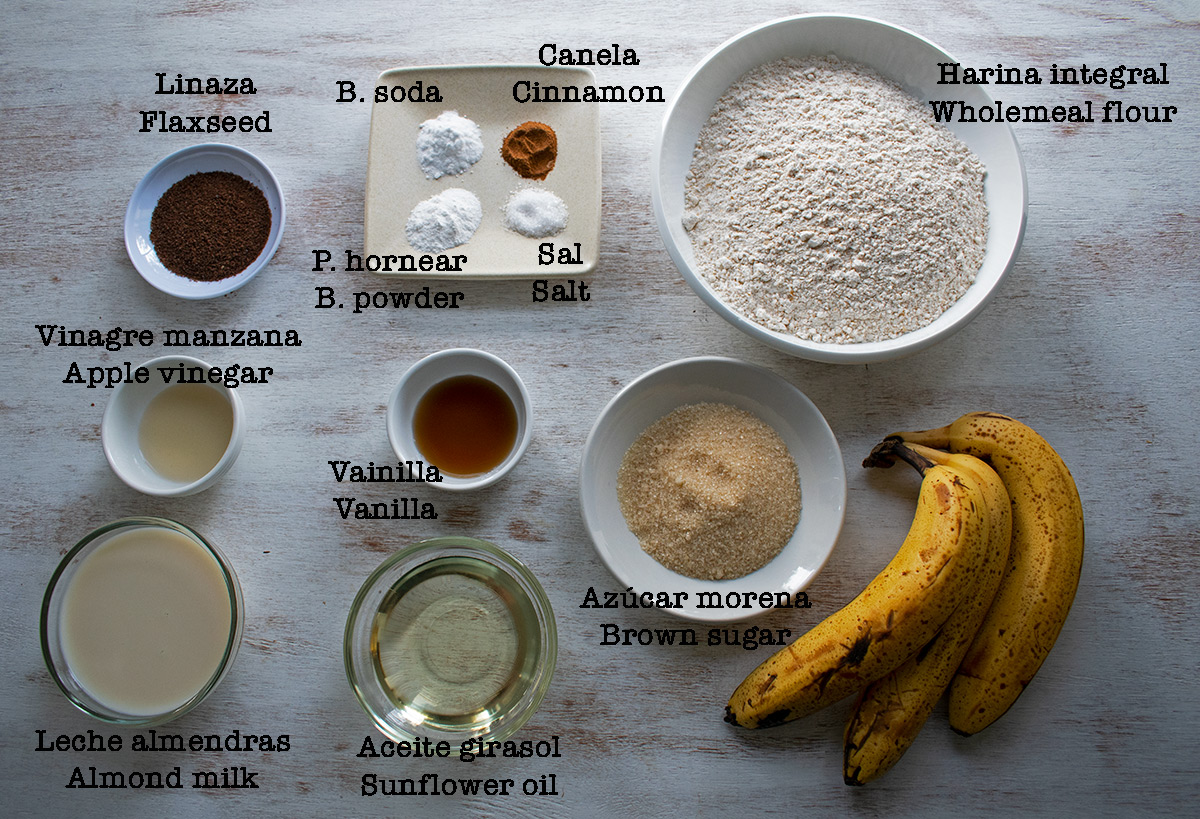 ingredientes para preparar pan de banana vegano